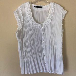 XL While blouse
